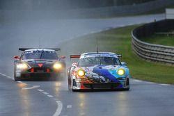 #80 Flying Lizard Motorsport Porsche 997 GT3-RSR: Johannes van Overbeek, Jorg Bergmeister, Seth Neim