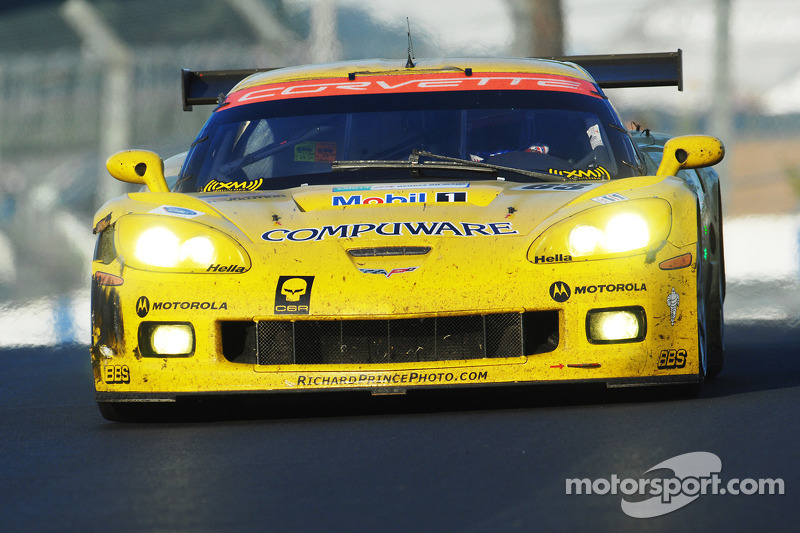 #63 Corvette Racing Corvette C6.R: Johnny O'Connell, Jan Magnussen, Ron Fellows, #64 Corvette Racing