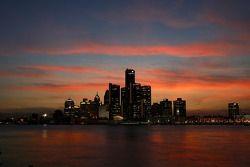 La ligne d'horizon de Detroit du côté canadien de la rivière