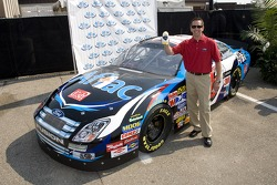 Greg Biffle will drive the No. 16 Aflac Ford for its debut at the NEXTEL Cup race on July 1st at New Hampshire International Speedway for a total of four races