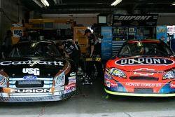 Matt Kenseth et Jeff Gordon côte à côte dans le garage