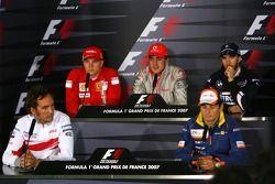 Кими Райкконен, Scuderia Ferrari, Френандо Алонсо, McLaren Mercedes, Ник Хайдфельд, BMW Sauber F1 Team, Франк Монтани, тестовый пилот Toyota F1 Team и Джанкарло Физикелла, Renault F1 Team