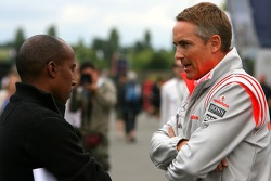 Энтони Хэмилтон, отец Льюиса Хэмилтона, и Мартин Уитмарш, McLaren
