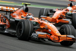 Кристиан Альберс, Spyker F1 Team и Адриан Сутиль, Spyker F1 Team