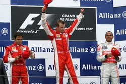 Кими Райкконен, Scuderia Ferrari, Фелипе Масса, Scuderia Ferrari и Льюис Хэмилтон, McLaren Mercedes