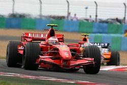 Kimi Raikkonen, Scuderia Ferrari, F2007, Heikki Kovalainen, Renault F1 Team, R27