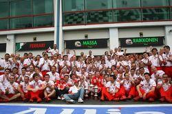Kimi Raikkonen, Scuderia Ferrari, Felipe Massa, Scuderia Ferrari, Jean Todt, Scuderia Ferrari, Ferrari CEO, célèbration Ferrari