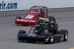Pablo Donoso (#11) et Paul White (#99)