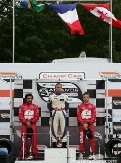 Podium: le vainqueur Franck Perera avec Raphael Matos et James Hinchcliffe