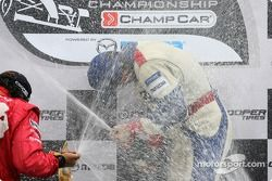 Podium: champagne for Franck Perera