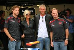 Jenson Button, Honda Racing F1 Team, Rubens Barrichello, Honda Racing F1 Team con David Beckham y Vi