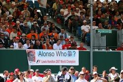 Lewis Hamilton, McLaren Mercedes, fans