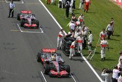 Lewis Hamilton, McLaren Mercedes, MP4-22 y Fernando Alonso, McLaren Mercedes, MP4-22