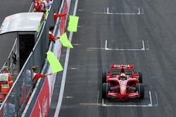 Felipe Massa, Scuderia Ferrari F2007, tuvo problemas técnicos causados y abortaron comienzo