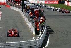 Inicio de la carrera, Felipe Massa, Scuderia Ferrari comienza desde pits
