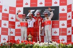 Kazanan, 3.Kimi Raikkonen, Scuderia Ferrari, F2007, 2. Fernando Alonso, McLaren Mercedes, MP4-22, 3.