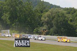#7 Penske Motorsports Porsche RS Spyder prend la tête dès le départ