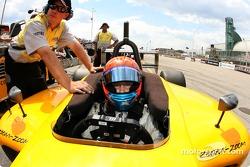 Matt Lee gets ready for qualifying