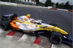 Nelson A. Piquet, pilote d'essai, Renault F1 Team, R27