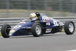 Патрик Вайсс за рулем автомобиля Van Diemen