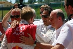 Mattias Ekström, Audi Sport Team Abt Sportsline, Portrait, reçoit les félicitations pour sa pole pos