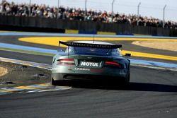 #008 Aston Martin Racing Larbre Aston Martin DBR9: Christophe Bouchut, Fabrizio Gollin, Casper Elgaa