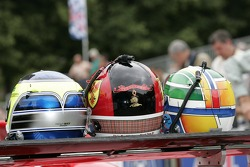 Casques de Gavin Pickering, Chris MacAllister et Marc Rostan