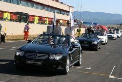 Parade des pilotes avec Paul di Resta, Persson Motorsport AMG Mercedes, AMG Mercedes C-Klasse et Susie Stoddart, Mücke Motorsport AMG Mercedes, AMG Mercedes C-Klasse
