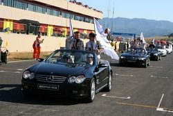 Parade des pilotes avec Alexandros Margaritis, Persson Motorsport AMG Mercedes, AMG Mercedes C-Klasse et Mathias Lauda, Mücke Motorsport AMG Mercedes, AMG Mercedes C-Klasse