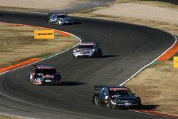 Mika Häkkinen, Team HWA AMG Mercedes, AMG Mercedes C-Klasse, devant Mattias Ekström, Audi Sport Team