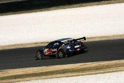 Martin Tomczyk, Audi Sport Team Abt Sportsline Audi A4 DTM, au ralenti avec un pneu arrière gauche à