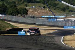 Martin Tomczyk, Audi Sport Team Abt Sportsline Audi A4 DTM, au ralenti avec un pneu arrière gauche à plat