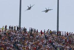 Survolez par F-18 Super Hornet