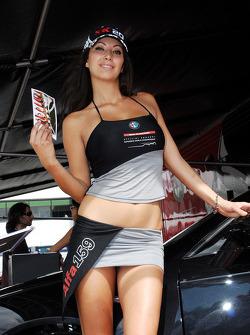 Промо-девушка Alfa Romeo