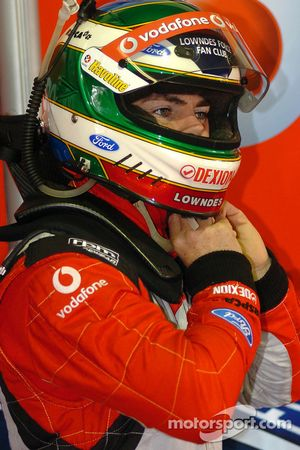 Craig Lowndes gets ready