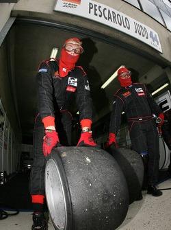 Kruse Motorsport team members practice pitstops