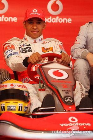 Льюис Хэмилтон, McLaren Mercedes, Vodafone на картинговом соревновании