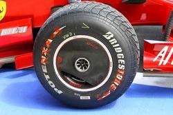 Scuderia Ferrari, F2007, front wheel covers