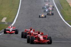 Старт, Кими Райкконен, Scuderia Ferrari, Фелипе Масса, Scuderia Ferrari, F2007, Фернандо Алонсо, McL
