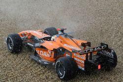 Adrian Sutil, Spyker F1 Team, F8-VII, trompea y se sale