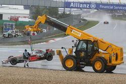 Льюис Хэмилтон, McLaren Mercedes, MP4-22 возвращается на трассу