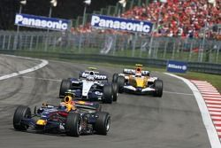 Mark Webber, Red Bull Racing, RB3 y Alexander Wurz, Williams F1 Team, FW29