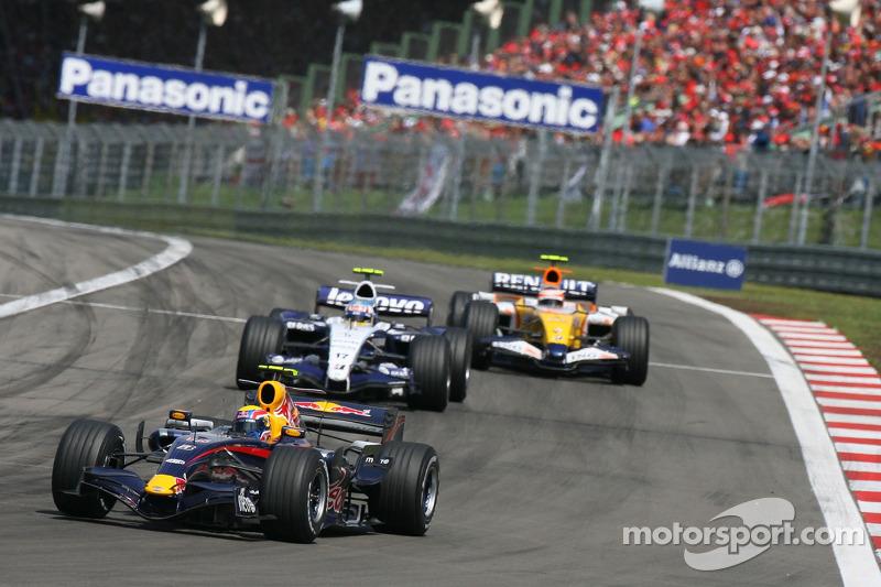 Mark Webber, Red Bull Racing, RB3 y Alexander Wurz, Williams F1 Team, FW29