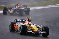 Heikki Kovalainen, Renault F1 Team, David Coulthard, Red Bull Racing