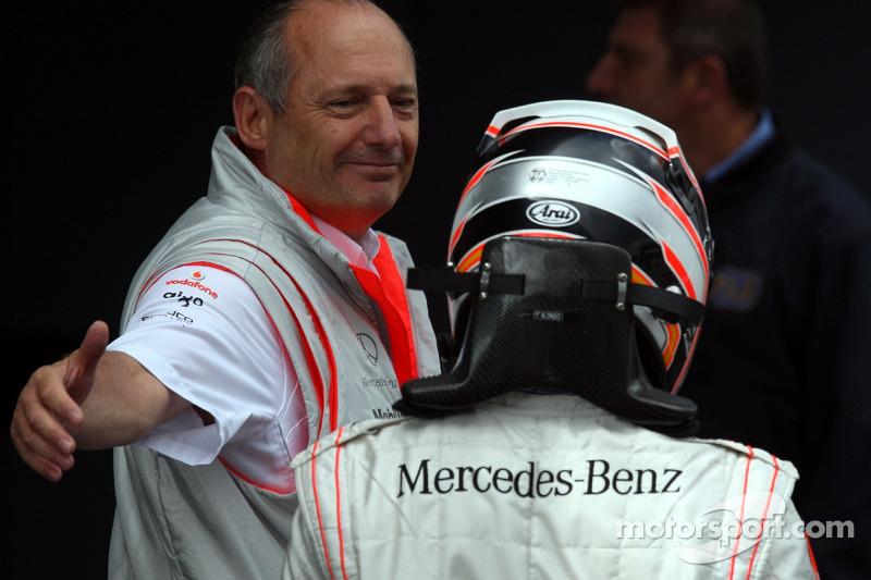 2007: A McLaren llega un bicampeón del mundo