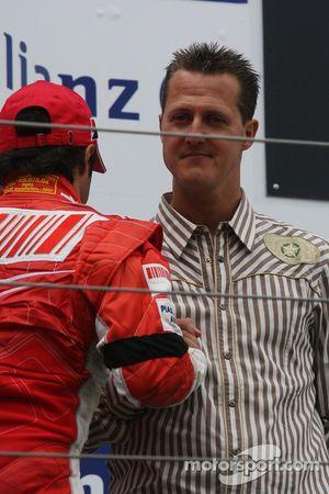 Podio: Felipe Massa y Michael Schumacher