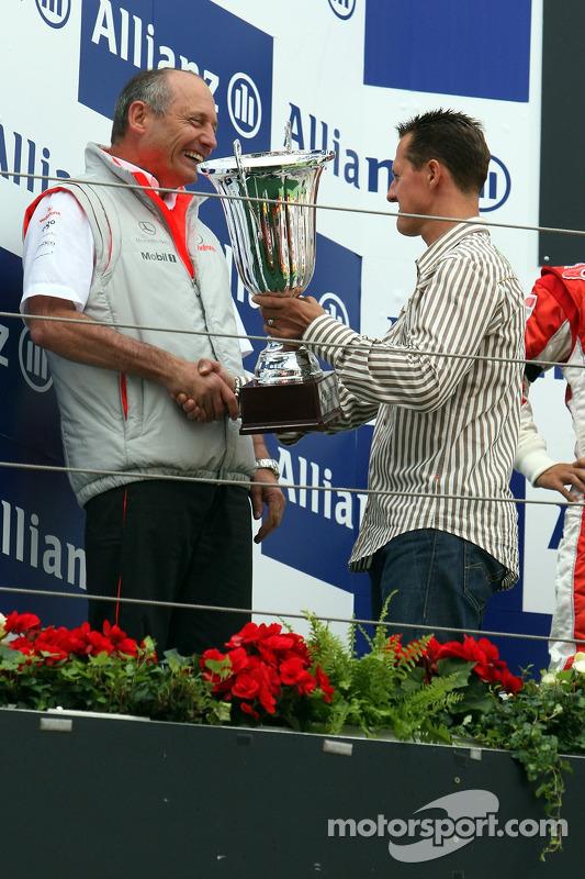 Ron Dennis, McLaren-Teamchef, mit Michael Schumacher