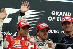 Podio: el ganador Fernando Alonso con Felipe Massa y Mark Webber