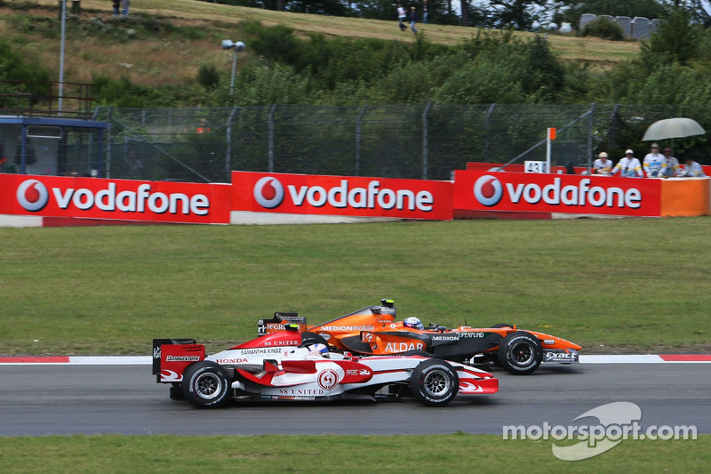 Markus Winkelhock, Spyker F1 Team; Anthony Davidson, Super Aguri F1 Team