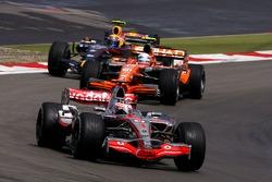 Фернандо Алонсо, McLaren Mercedes, Маркус Винкельхок, Spyker F1 Team